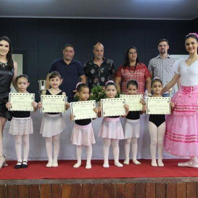 Entrega dos Certificados Ballet